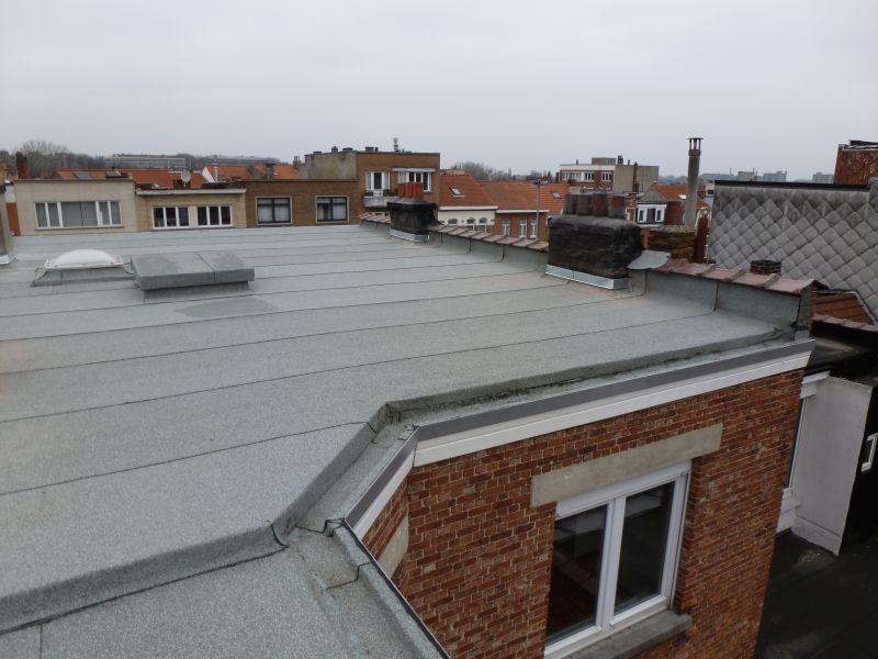 Un toit plat rénové par D Toitures